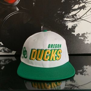 NIKE OREGON DUCKS RETRO SNAPBACK | NWT